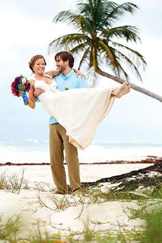 A bohemian, private elopement in paradise | Melissa Mercado Photography: http://melissa-mercado.com