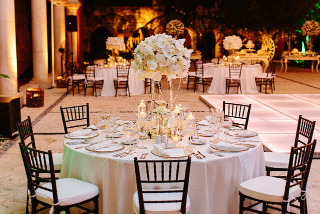 A spectacular and glamorous Mayan inspired wedding at Xcaret Park in Playa del Carmen by Melissa Mercado Photography
