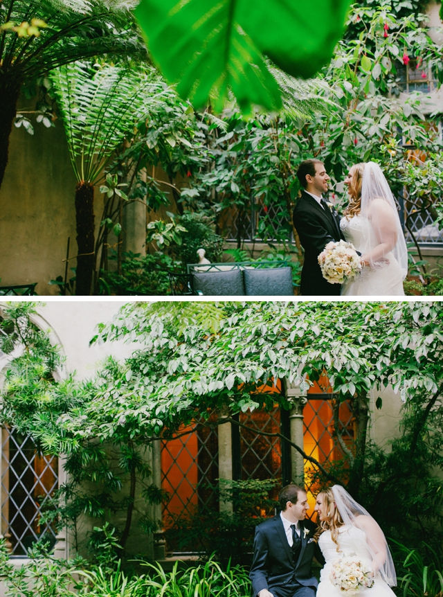 An intimate vintage-inspired wedding in ivory, peach, gold and blush by Milou + Olin Photography || see more on blog.nearlynewlywed.com