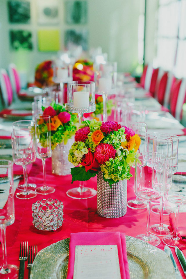 A neon gallery wedding in San Francisco by Milou + Olin Photography