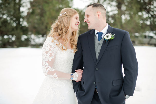 A snow-covered FivePine Lodge winter wedding in Oregon by Misty C. Photography