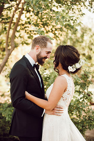 A rustic and romantic sun soaked ranch wedding in Arizona by Molly McElenney Photography