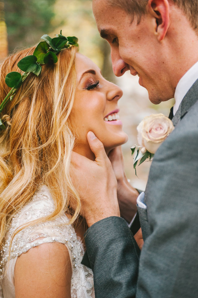 Ideas for a romantic vow renewal in nature | Nhiya Kaye Photography: nhiyakayephotography.com