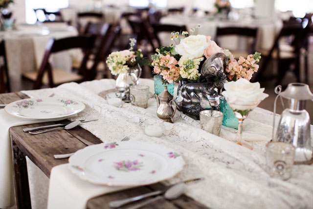 A chic and charming Southern wedding with family heirlooms and gorgeous flowers   Nyk + Cali, Wedding Photographers: nykandcali.com