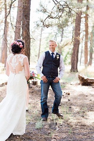 A fairy tale campground wedding in Flagstaff with breathtaking mountain views by Peaches & Twine Photography