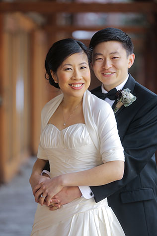 A spectacular Asian winter wedding at Sundance Resort in Park City // photos by Pepper Nix Photography: http://www.peppernix.com || see more on https://blog.nearlynewlywed.com
