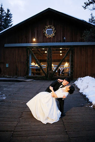 A spectacular Asian winter wedding at Sundance Resort in Park City // photos by Pepper Nix Photography: http://www.peppernix.com    see more on https://blog.nearlynewlywed.com