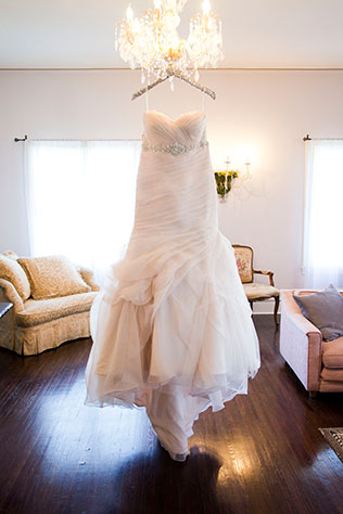 A winter wedding at a historic venue in Long Beach   Peterson Design & Photography: http://peterson-design-photo.com