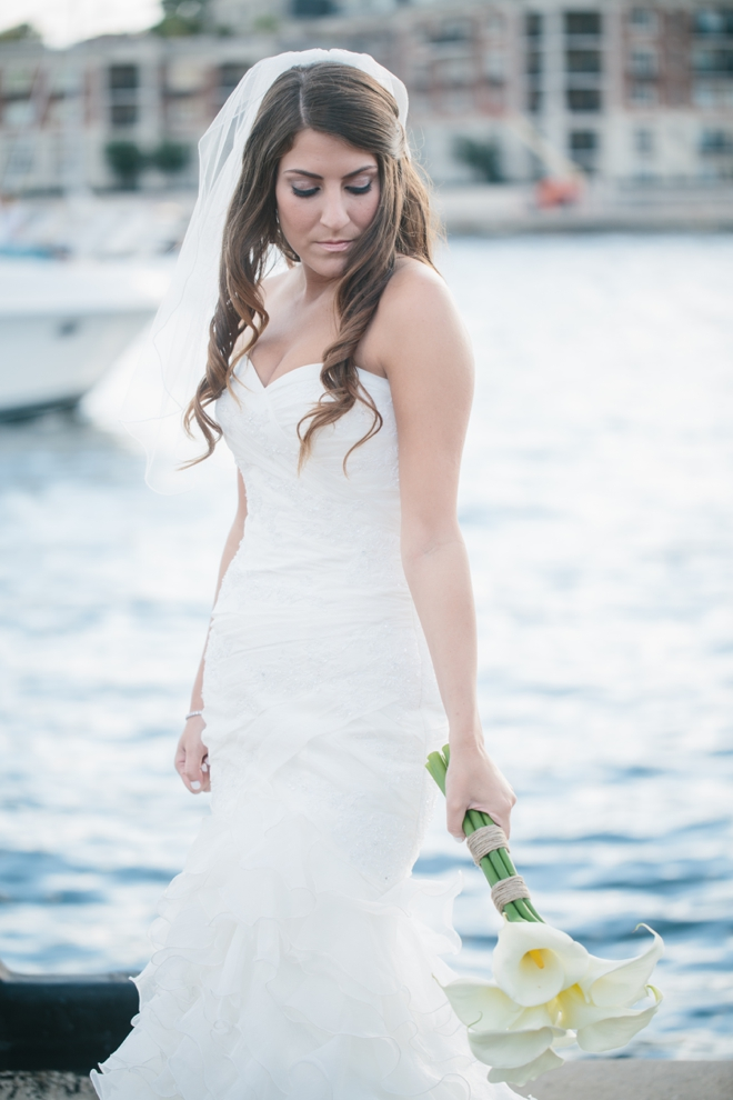 A fall waterfront wedding in Baltimore by Photography by Brea || see more on blog.nearlynewlywed.com