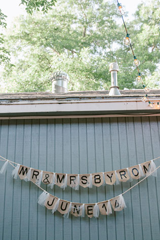 An intimate bed and breakfast wedding filled with lavender // photos by Powell Pictures: http://www.powellpictures.com || see more on https://blog.nearlynewlywed.com