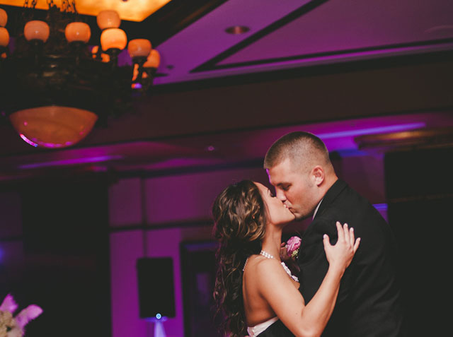 A modern and glamorous luxury hotel wedding at the Grand Bohemian in Orlando // photo by Rachel Absher Photography: http://www.rachelabsher.com || see more on https://blog.nearlynewlywed.com
