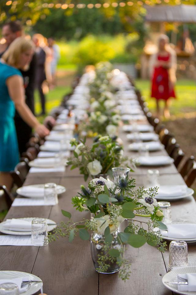 An outdoor autumn farm wedding in urban Austin | Ryan Green Photography: http://www.ryangreenphotography.com