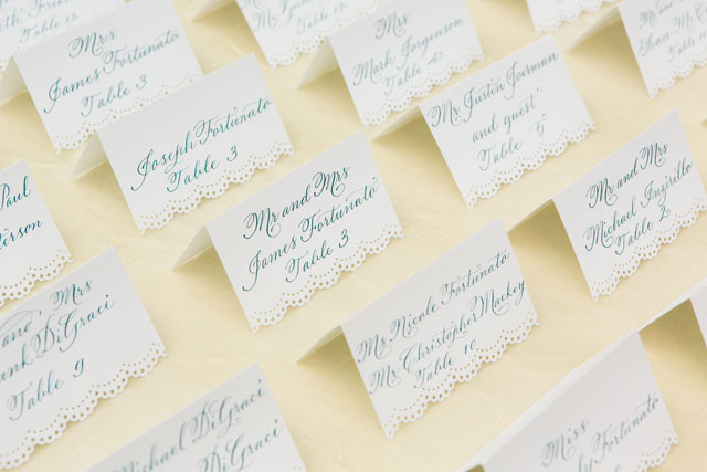 A lovely ivory and gold metallic wedding at a historic hotel in New York | Sarah Tew Photography: http://www.sarahtewphotography.com