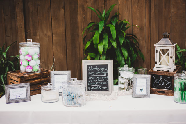 A spring wedding in shades of lush green and violet at the San Diego Botanic Garden | Shelly Anderson Photography: http://shellyandersonphotography.com