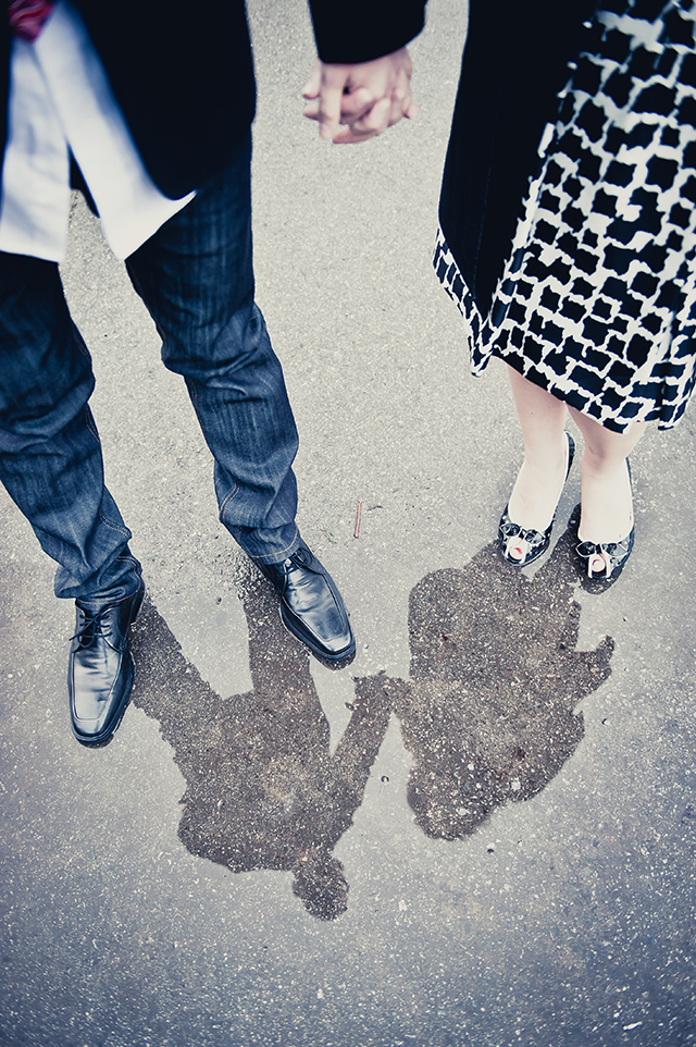 A rainy winter coffee shop engagement session in San Francisco // photos by Sphynge Photography: http://www.sphynge.com    see more on https://blog.nearlynewlywed.com