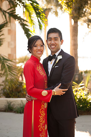 A multicultural estate wedding in Sarasota with aqua and pink details and a traditional Lion Dance // photos by Stephanie A Smith Photography: http://www.StephanieASmith.com || see more on https://blog.nearlynewlywed.com