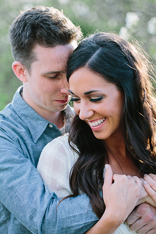 A sweet and romantic spring engagement session at the Grange Audubon Center in Ohio // photos by Studio127 Photography: http://www.studio127photography.com || see more on https://blog.nearlynewlywed.com