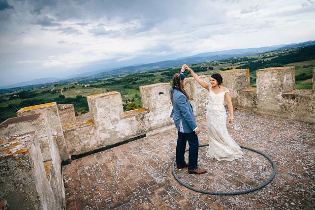 An incredible wedding in a 10th-century majestic castle in Chianti | Studiobonon Photography: http://www.studiobonon.it