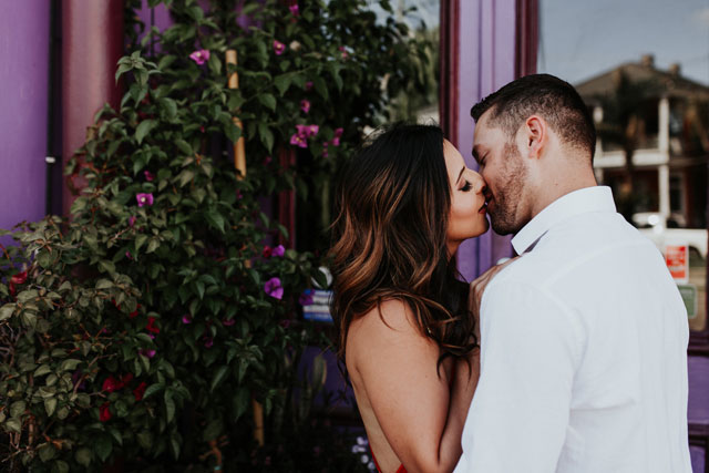 A colorful and romantic New Orleans engagement session by Tahiry Humrich Photography