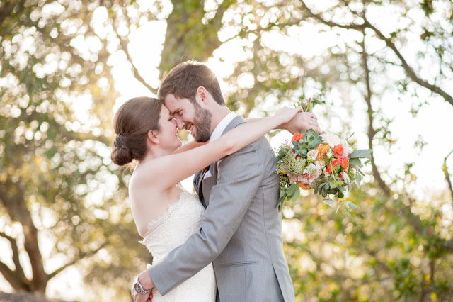 A modern and elegant backyard wine country wedding by Vivian Chen Photography