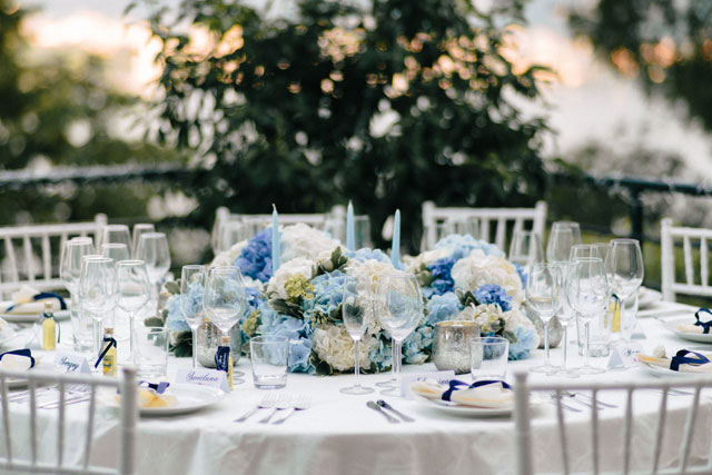 A beautifully intimate villa wedding on Lake Como with pretty blue and white details by Zhenya Swan Photography and Fiore d'Amore Wedding in Italy